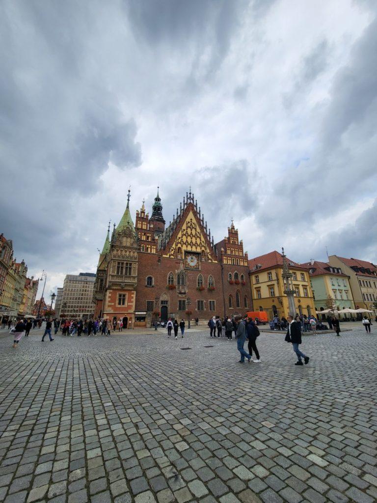 Galaxy Z Fold 3 ultraszerokokątny ratusz Wrocław