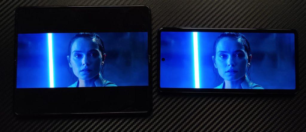 Motorola Edge 20 Pro vs Galaxy Z Fold 3 porównanie ekranu