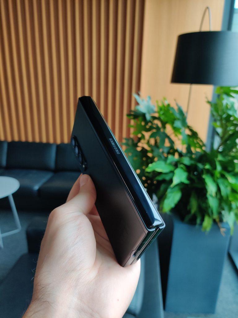 Galaxy Z Fold 3 zawias