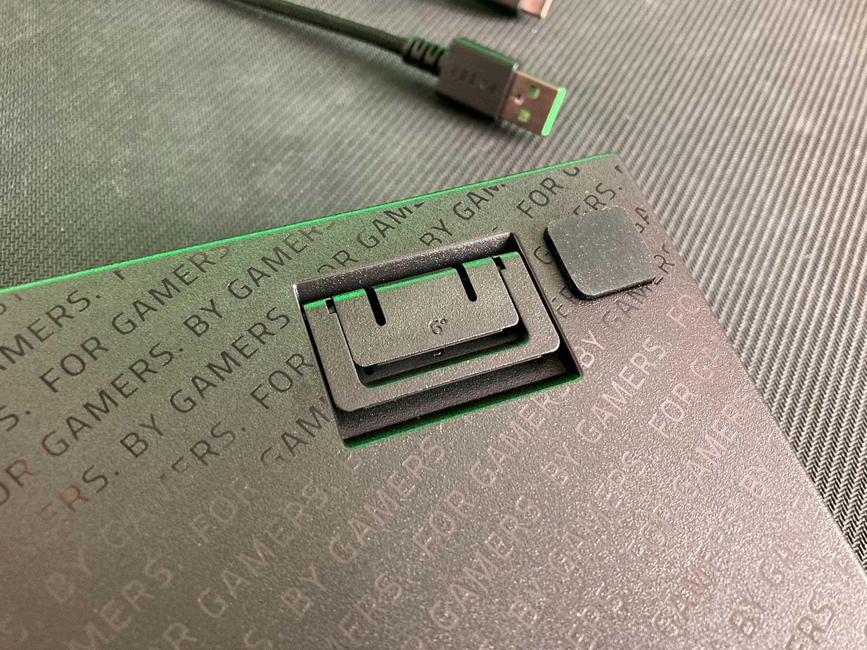 stopka regulacji wysokości w klawiaturze razer blackwidow v3 mini yellow switch