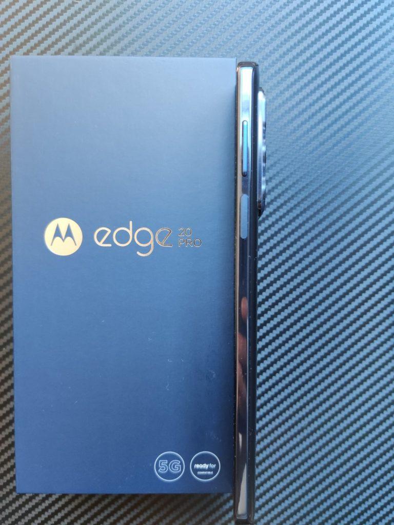Motorola Edge 20 Pro bok smartfona