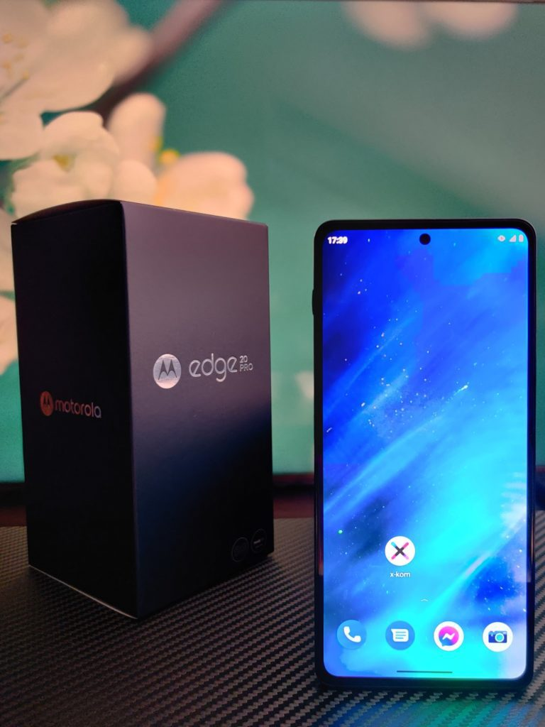 Motorola Edge 20 Pro front tło
