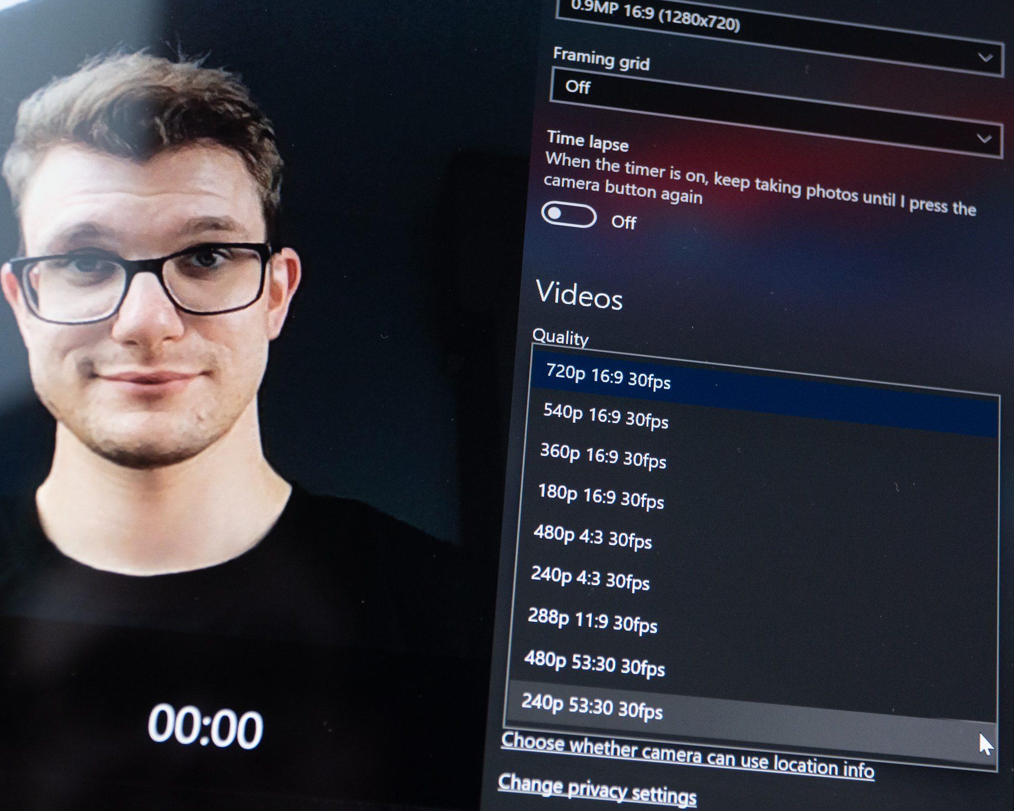 msi creator nz16 webcam obraz