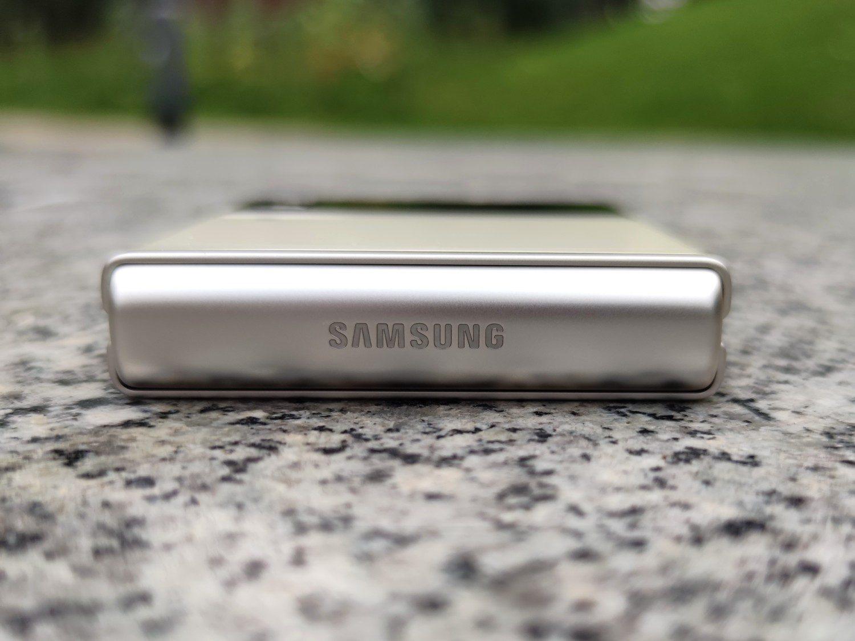 aluminiowa ramka samsung