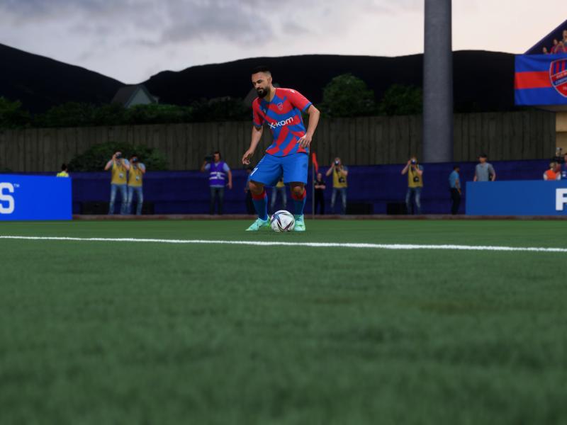 """Lojalność w FIFA 22: jak """"wbić"""" ją na kartę zawodnika i do czego może się przydać?"""