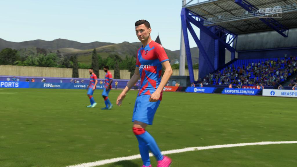 FIFA 22 XSX zbliżenie na zawodnika Rakowa
