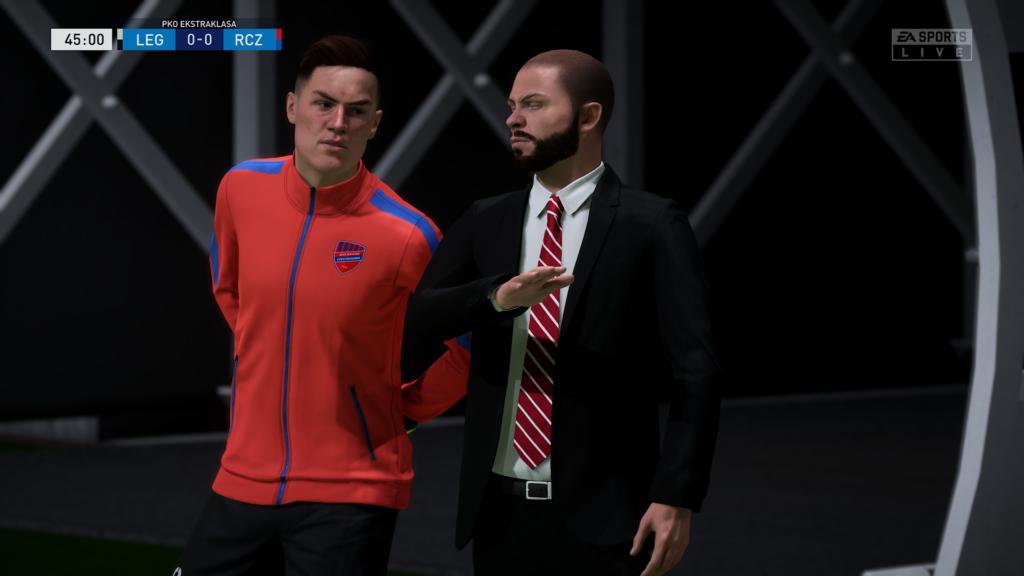FIFA 22 XSX menedżer z ławki