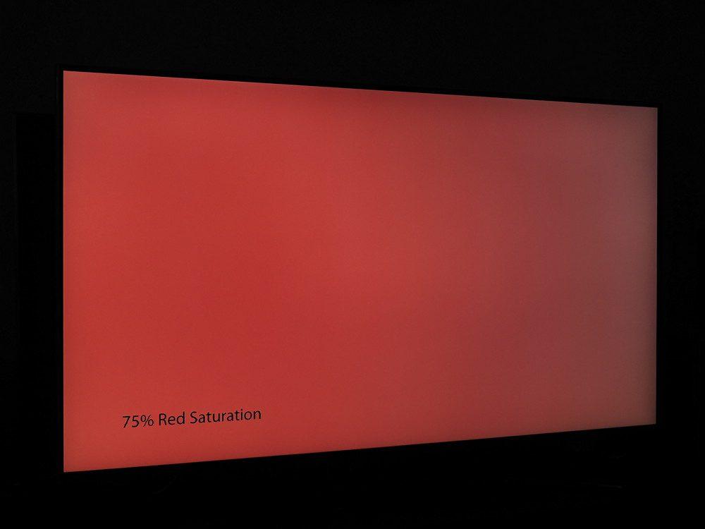 plansza nasyconej w 75% czerwieni widziana pod kątem