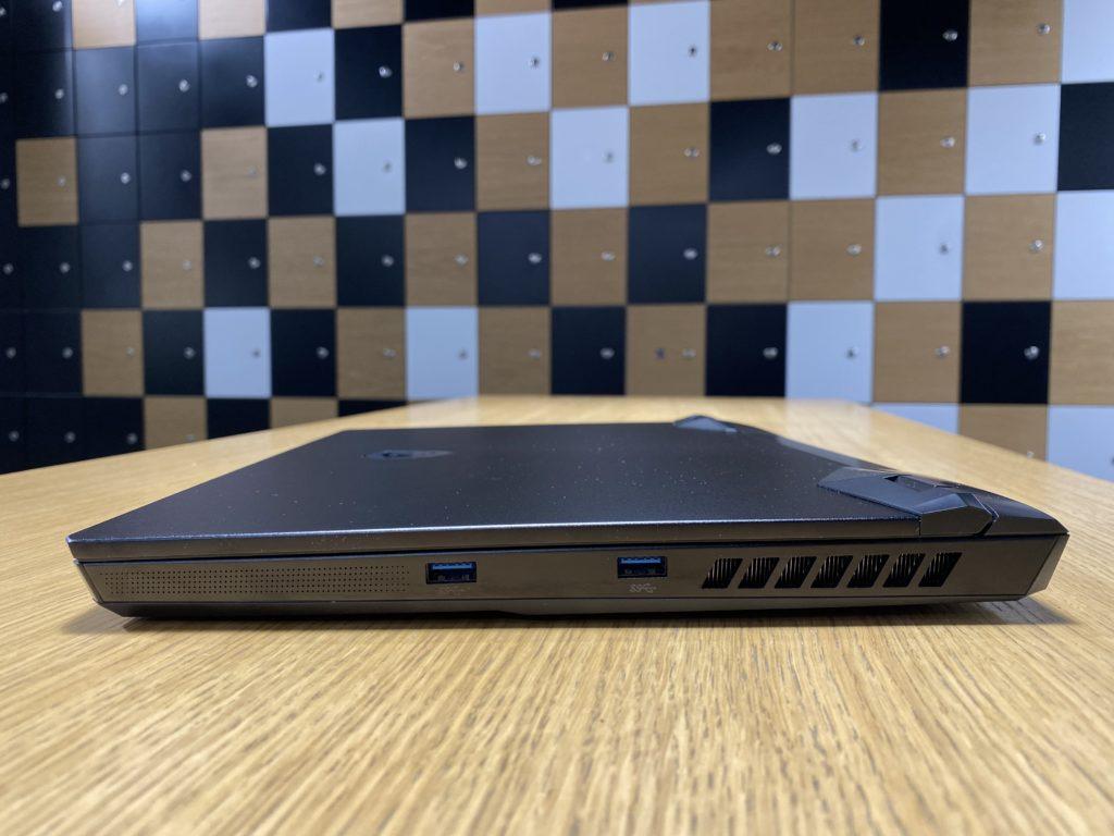 MSI Leopard GP66 widok z boku