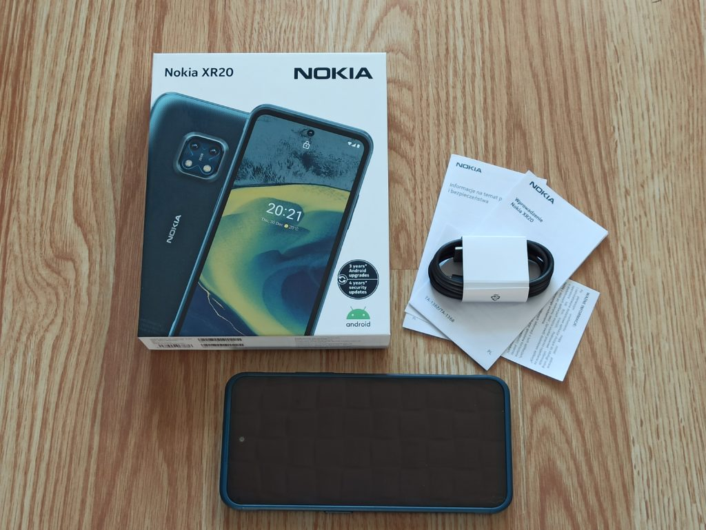 Nokia XR20 unboxing