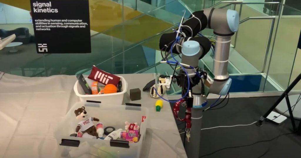 rfusion mit robot