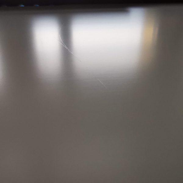 biurko dla gracza silver monkey gd-160 zarysowania na blacie